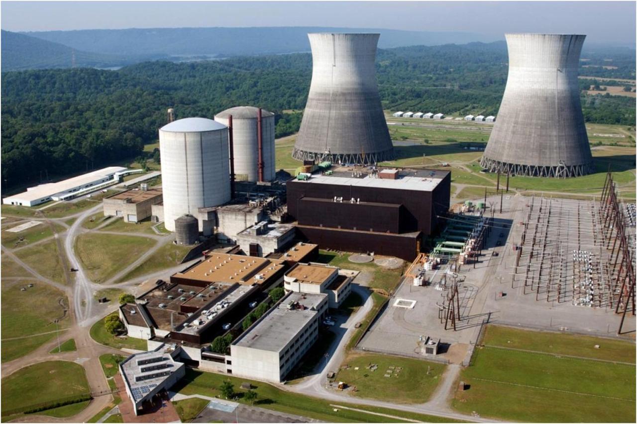 """إيران تبدأ بناء مفاعلين نوويَّين بمساعدة روسيا """"قريباً"""""""
