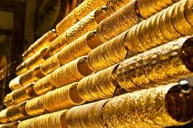هبوط الدولار يرفع بالذهب إلى أعلى سعر في أسبوع