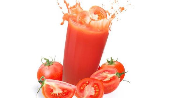 عصير الطماطم يساعد على التخلص من الوزن