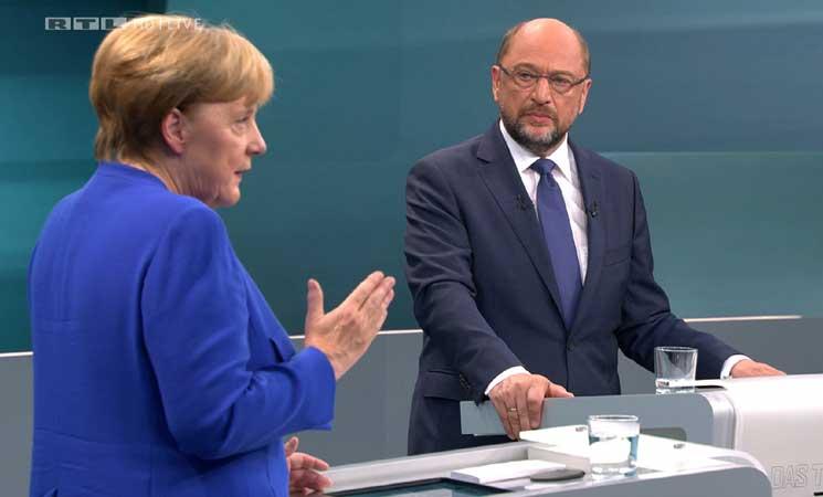 ميركل تريد وقف مفاوضات انضمام تركيا إلى الاتحاد الأوروبي