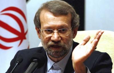 لاريجاني: أوباما غير قادر على اتخاذ قرار بشأن المرونة الإيرانية