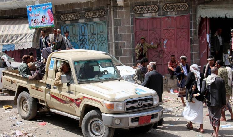 مقتل حوثيين في مواجهات رداع وغارة جوية تقتل عناصر من القاعدة