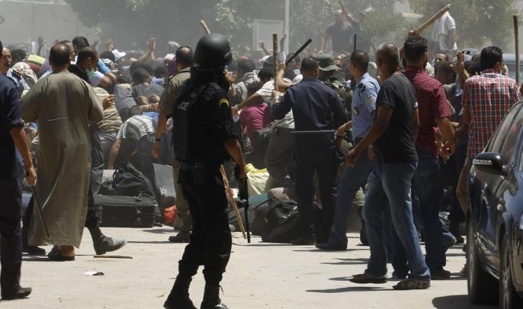 السلطات التونسية توجه رعايا لمغادرة ليبيا