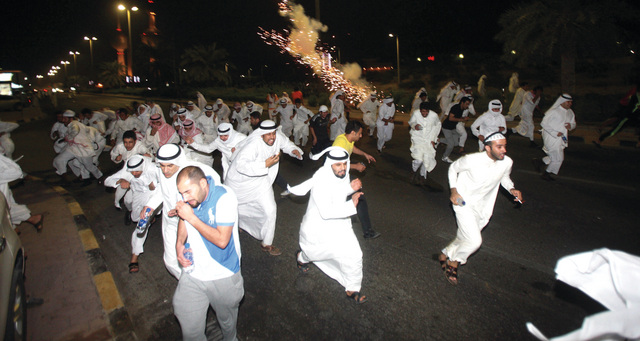 الكويت تضع مزيدا من القيود الأمنية على المجتمع المدني