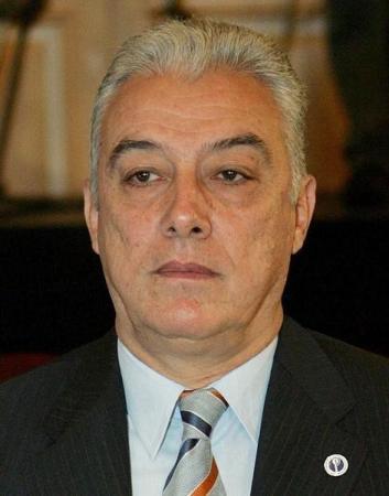 القضاء المصري يبرئ وزير سابق بتهمة بيع غاز لإسرائيل