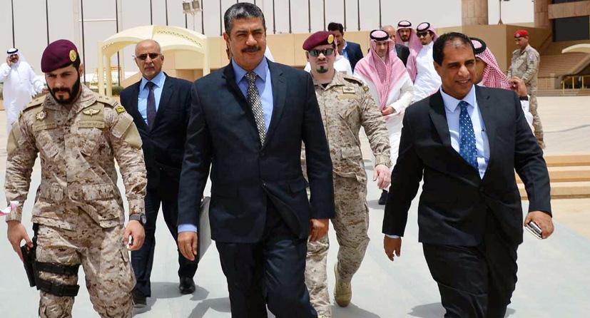 نائب الرئيس هادي يصل عدن برفقة 6 وزراء يمنيين
