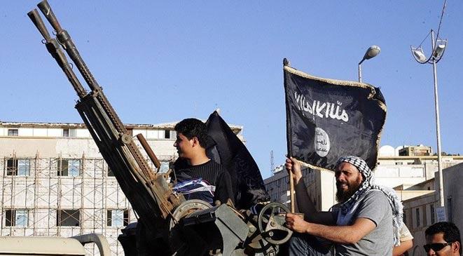 """خبير جزائري: سعودي يقود تنظيماً تابعا لـ""""داعش"""" في ليبيا"""
