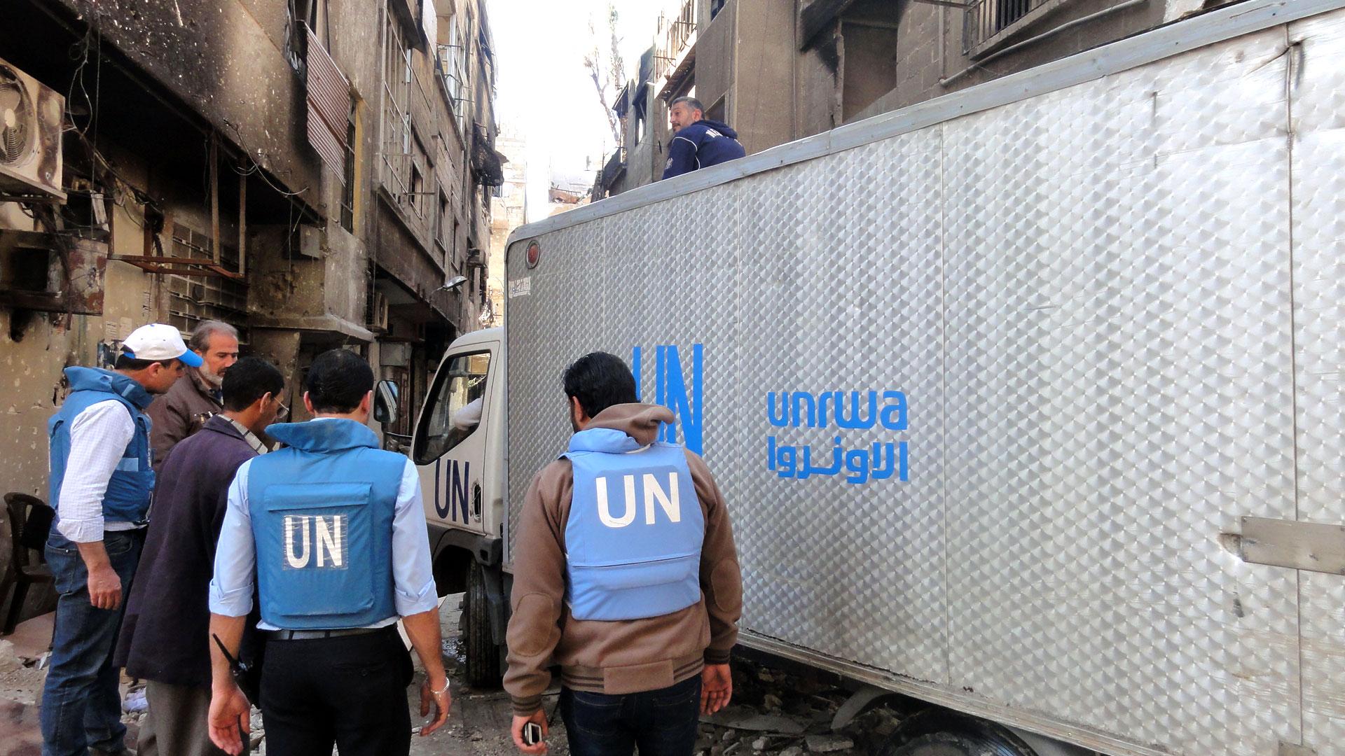 """""""أونروا"""" :الإمارات قدمت مساعدات لـ 93 ألف عائلة فلسطينية بسورية"""
