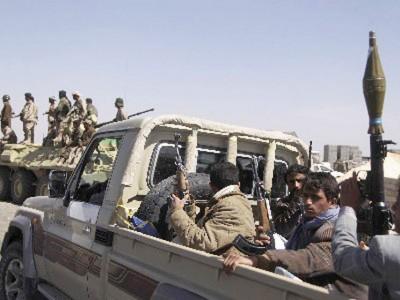 إصابة قيادي حوثي برصاص وسط اليمن