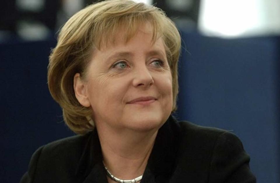 """ميركل: استقبال اللاجئين """"المهمة الأصعب"""" منذ توحيد الألمانيتين"""
