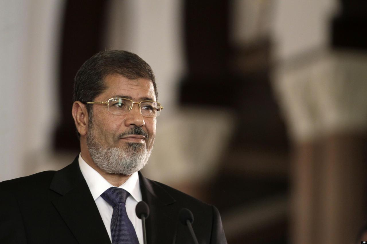 """المؤبد للرئيس مرسي والإعدام لـ3 إعلاميين بقضية """"التخابر مع قطر"""""""