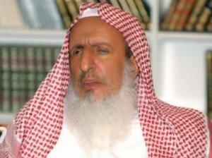 """مفتي السعودية يزعم أن """"تويتر"""" مصدرا للأكاذيب والباطل"""
