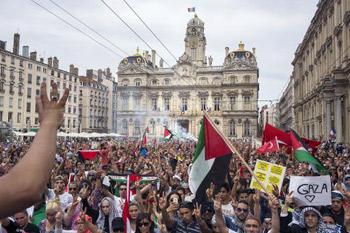 محكمة فرنسية تحظر التظاهر مع قطاع غزة