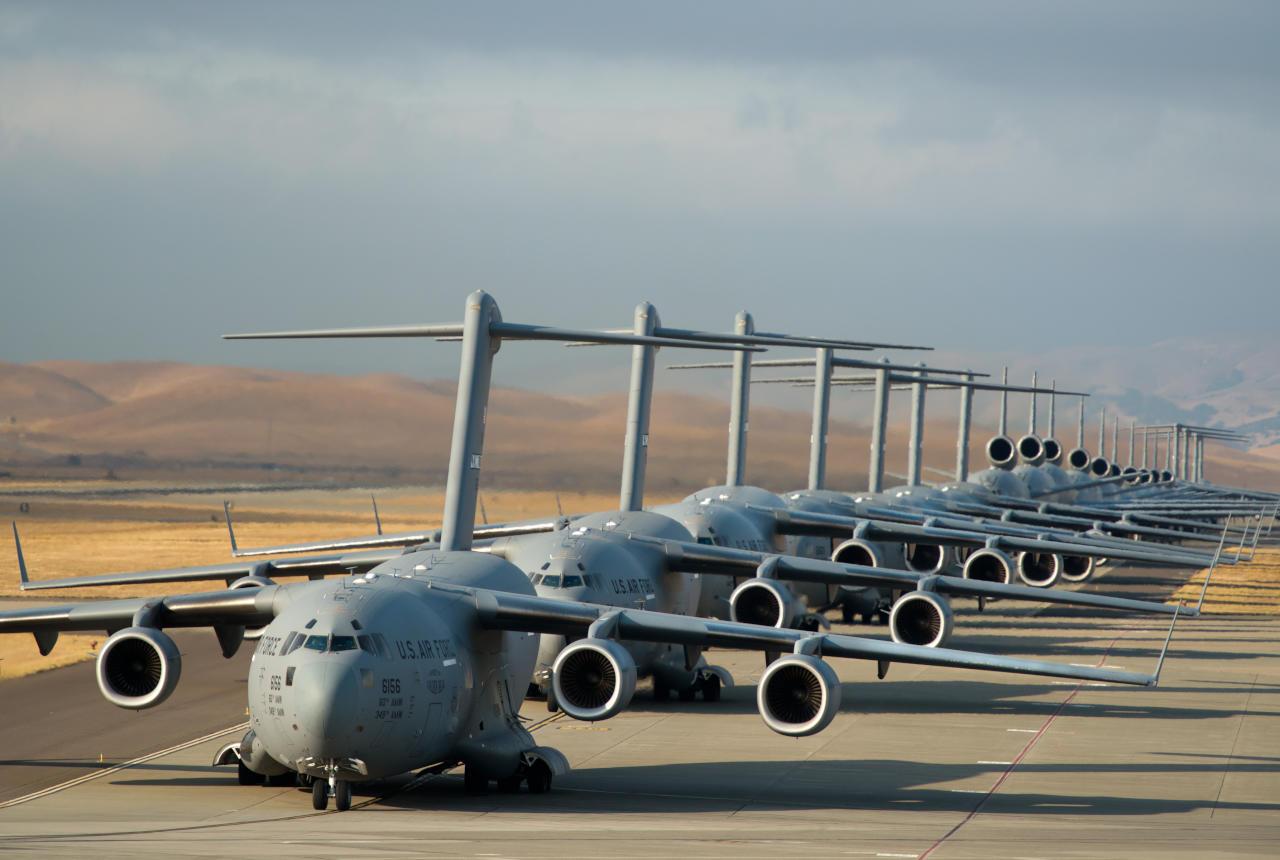 """""""دبي للطيران"""" يكشف تلكؤ الحكومة الأمريكية في بيع مقاتلات إلى الخليج"""