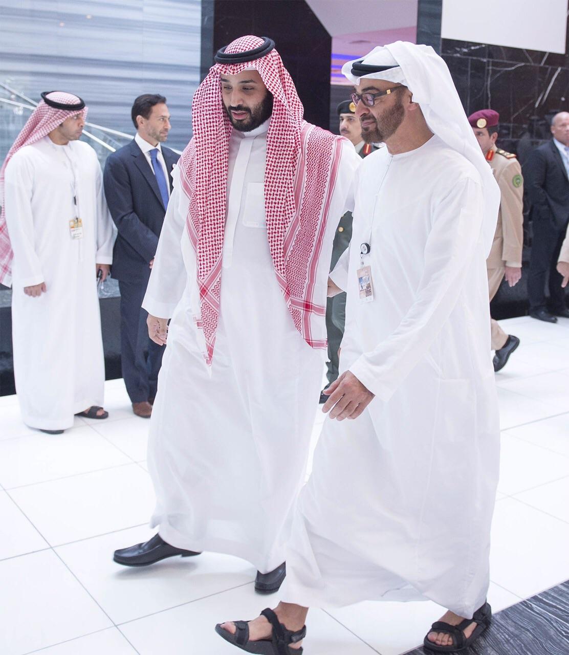 فرانس برس: الإمارات تفضل نجل صالح والسعودية تفضل الإصلاح
