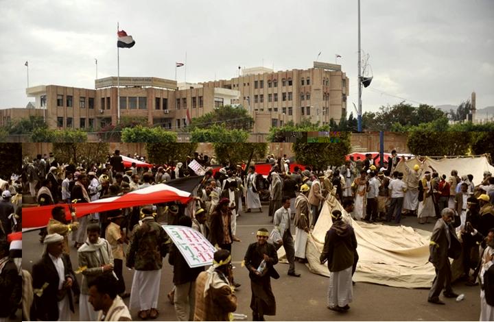 صحيفة إيرانية: الوضع في اليمن سيحسم عسكريا