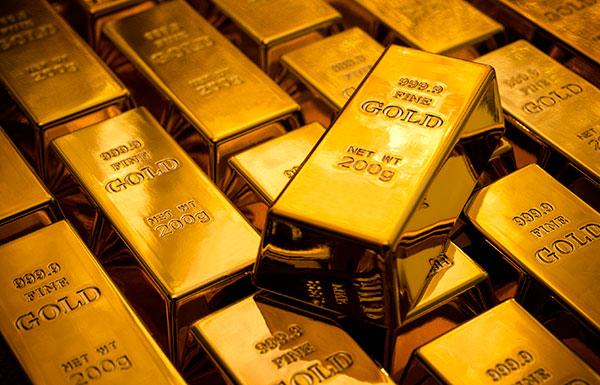 الذهب يرتفع لأعلى مستوياته في عامين