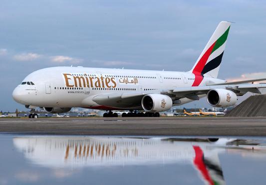 """عقد بين """"طيران الإمارات"""" و""""جنرال إلكتريك"""" بـ 16 مليار دولار"""