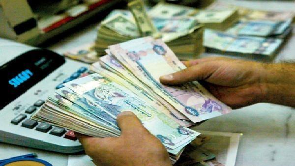تحويلات الأجانب من الإمارات في 11 شهرا تبلغ 40 مليار دولار