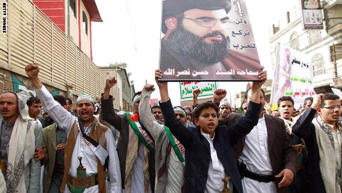 مستشار خامنئي يتوقع انتصاراً قريباً للحوثيين ودور كـحزب الله