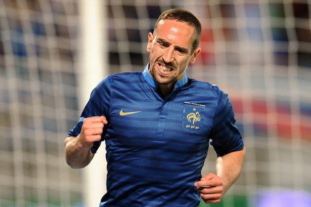 بلاتيني يلوح بعقاب ريبيري في حال رفضه اللعب مع فرنسا