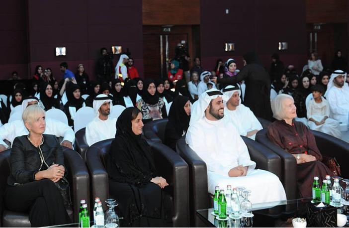 مؤسسة الإمارات تحتفل بتخرج 52 مواطنة من برنامج مساعد المعلم