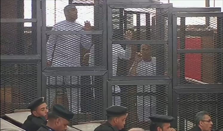 مصر: الحكم بالسجن المشدد بين سبع وعشر سنوات على صحفيي الجزيرة