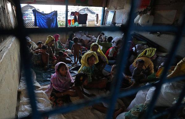 دولة الإمارات تتبرع بـ7 ملايين دولار لمئات الآلاف من لاجئي الروهينغا