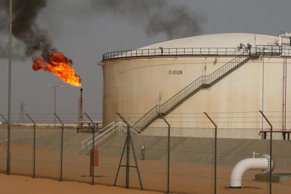 أسعار النفط تقترب من تحقيق أكبر مكاسبها منذ 2009