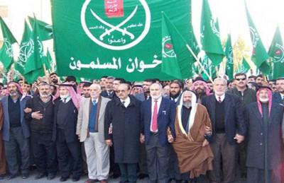 """نشر الإمارات سرب """"إف 16″ في الأردن يرافقه حملة على إخوان المملكة"""