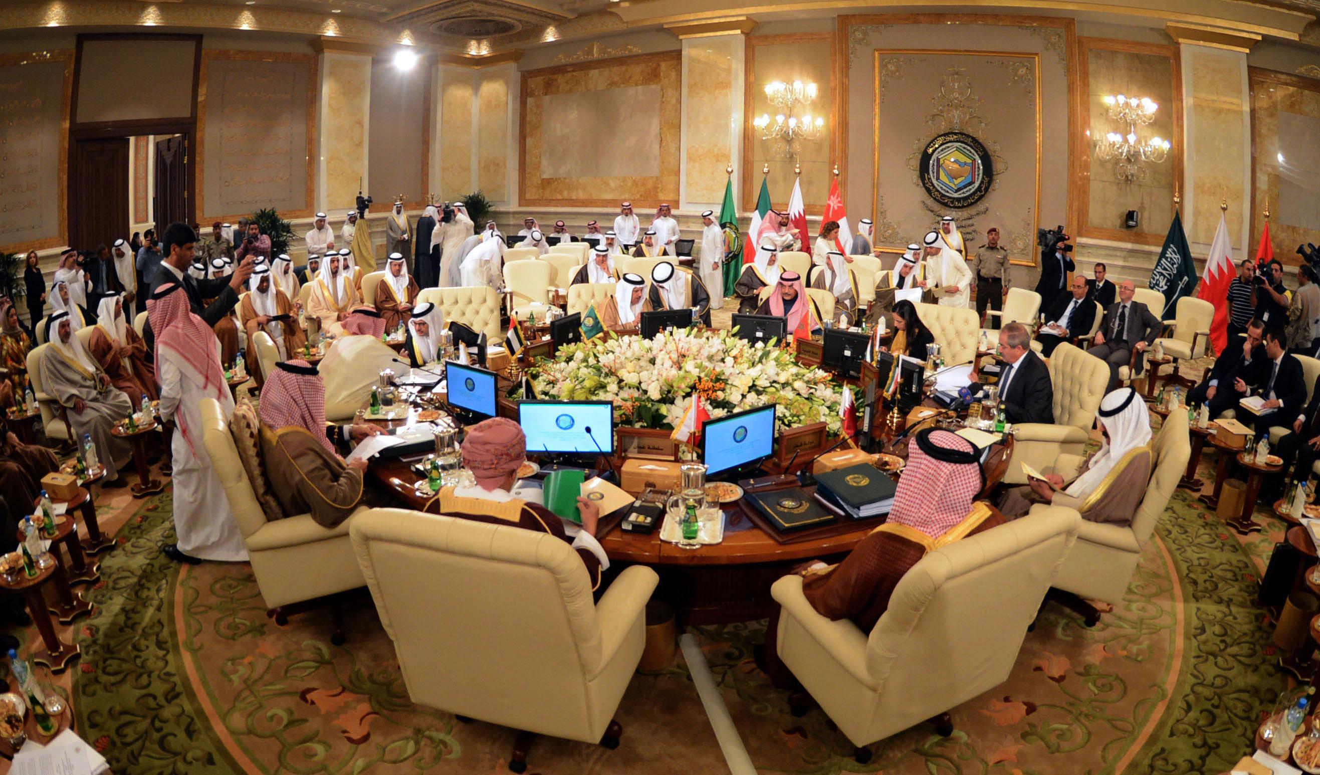 """دول الخليج تعتمد مشروع """" ضريبة القيمة المضافة """""""