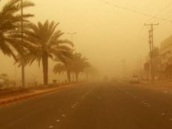 توقعات الأرصاد: طقس غائم جزئياً مثير للغبار مع احتمال سقوط أمطار خفيفة
