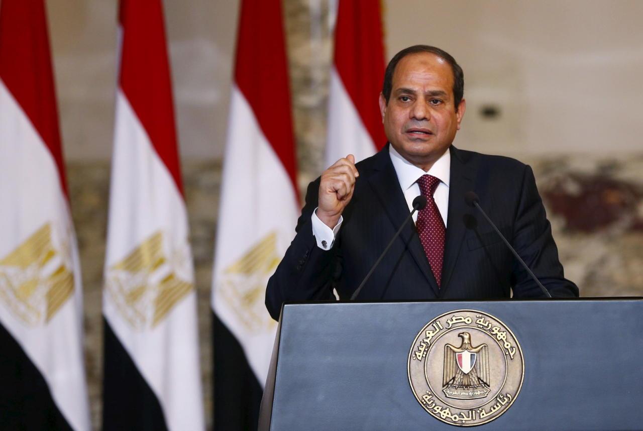 في استقبال السيسي.. أشهر صحيفة فرنسية: مصر مقبرة لحقوق الإنسان