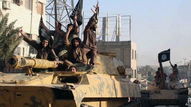 """استطلاع: """"داعش"""" أكبر خطر عالمي برأي الأمريكيين"""