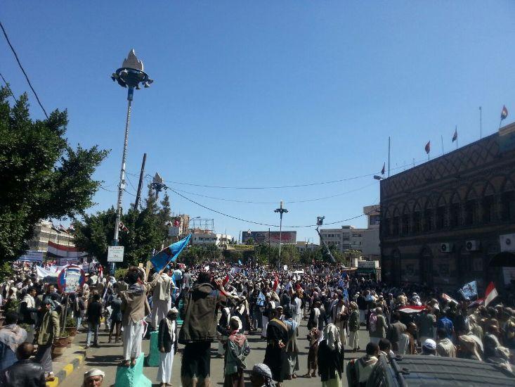 أنصار صالح يتظاهرون في صنعاء رفضاً للعقوبات المحتملة