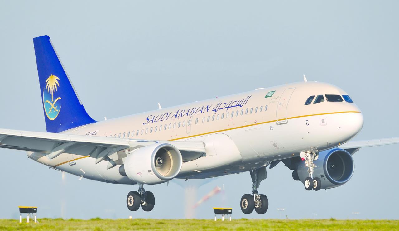 دعما للشعب المصري..الملك سلمان يوجه باستمرار الرحلات الجوية لشرم الشيخ