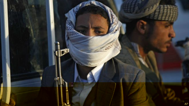مقتل العشرات في اشتباكات بين حوثيين والقبائل في رداع وسط اليمن