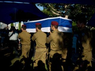 إسرائيل تعلن أسر ضابط والتنصل من الهدنة الإنسانية
