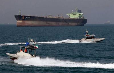 إيران تحتجز سفينة شحن أمريكية على متنها 34 أمريكيا