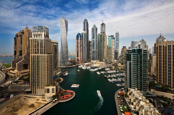 محمد بن راشد يستقبل وزراء الاقتصاد المشاركين بملتقى الاستثمار في دبي