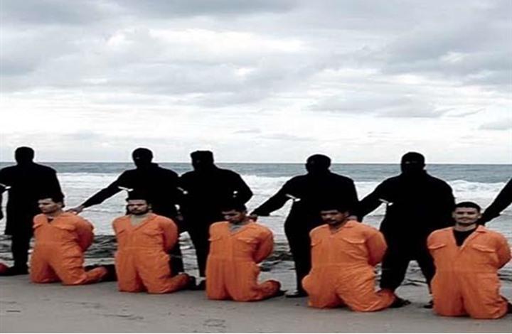 """""""داعش"""" يعلن اعدام 21 قبطياً والسيسي يستنفر"""