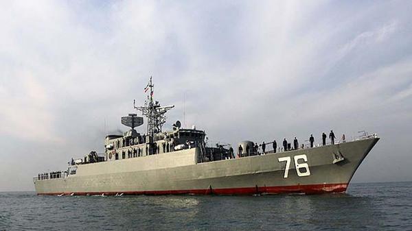 إيران ترسل قطعاً حربية إلى خليج عدن