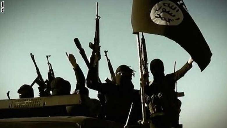"""التايمز: الإمارات والسعودية تعارضان استراتيجية أمريكا في حرب """"داعش"""""""