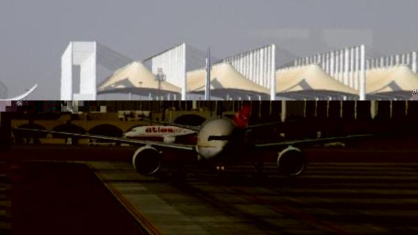 السعودية تنفي تسيير رحلات جوية من إسرائيل إلى مطاراتها