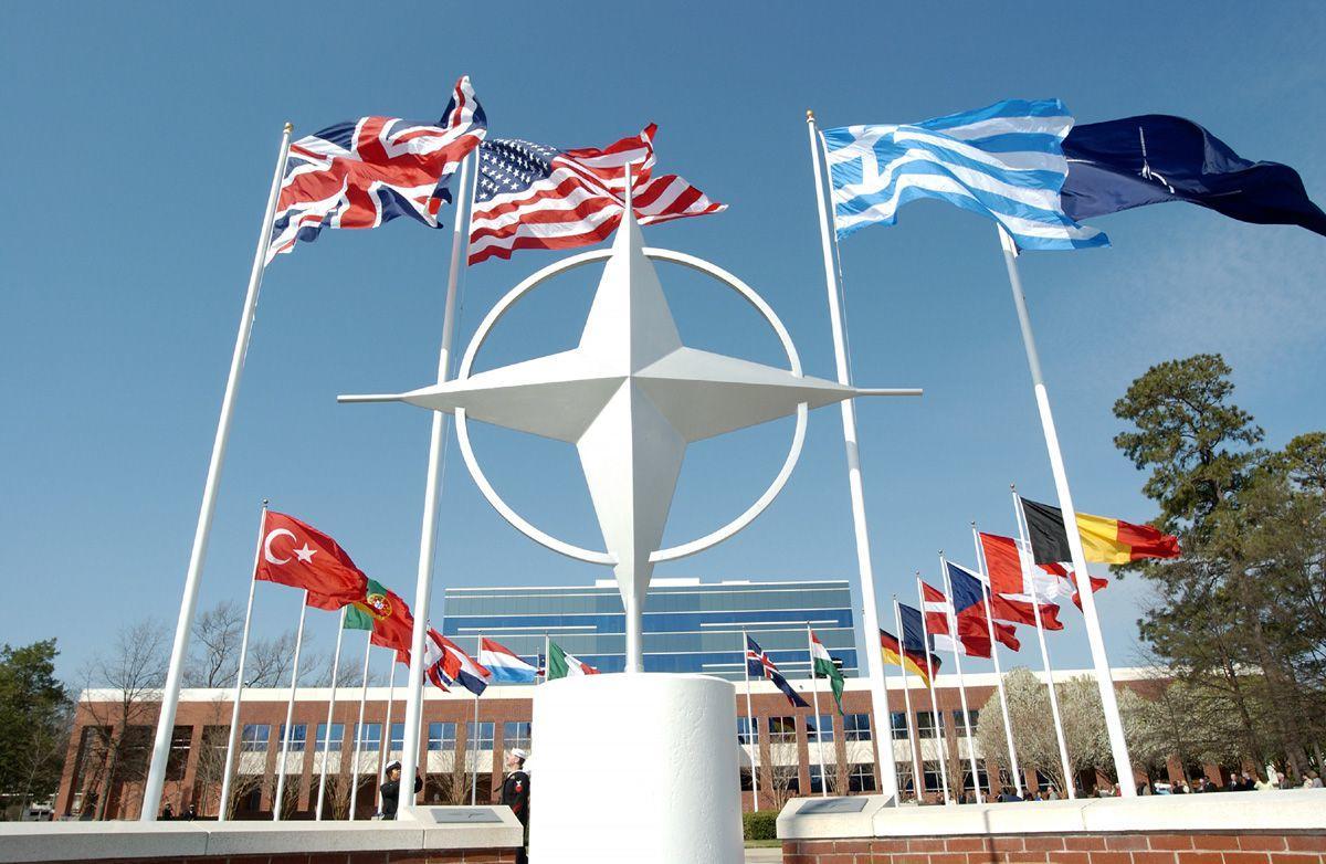 الناتو يرفض دخول معاهدة الحظر: سنبقى حلفاً نووياً