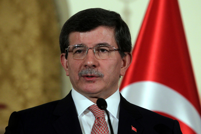 وزير الخارجية التركي يصل الدوحة لبحث سبل التهدئة في غزة