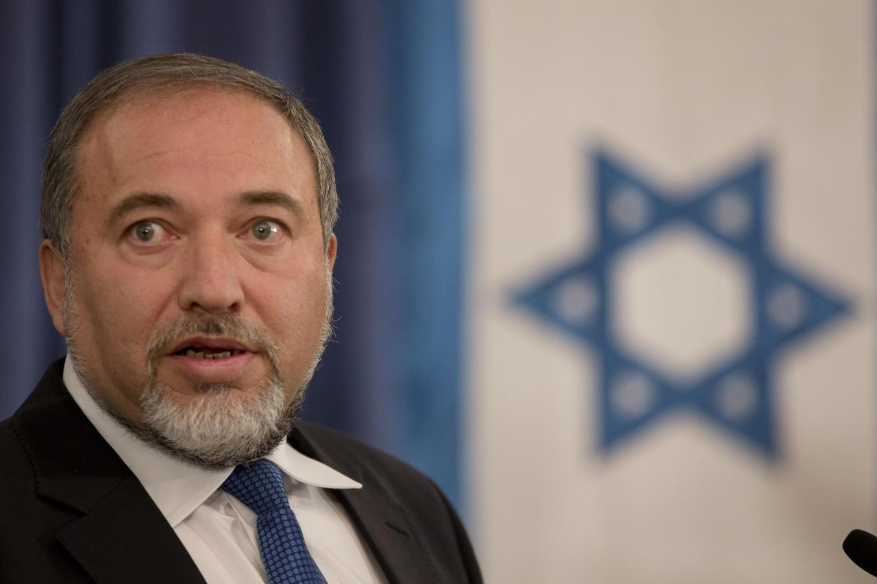 """إسرائيل: """"حزب الله"""" يقصف الجولان لجرنا للمستنقع السوري"""
