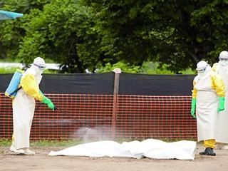 إيبولا يجتاح أفريقيا والوفيات يناهزون الستين