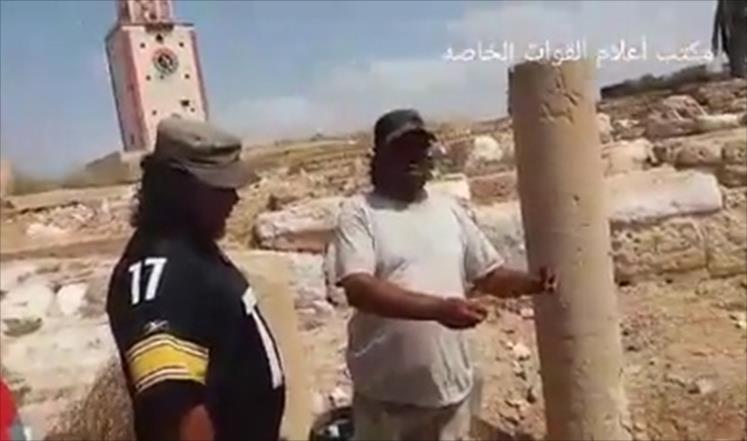 انتهاك حرمة الأموات.. قوات حفتر تنبش قبورا لثوار بنغازي