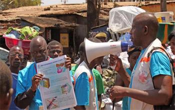 دول أفريقية تتفق على فرض طوق صحي لمكافحة ايبولا